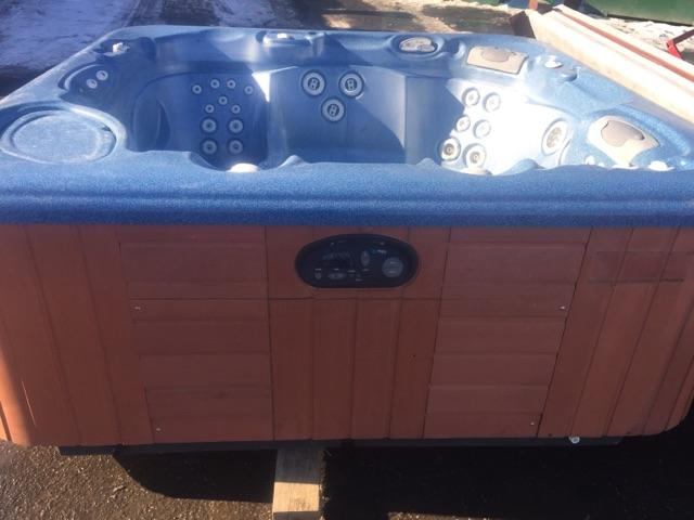 Used Spa 2004 Hotspring Envoy Thatcher Pools And Spas