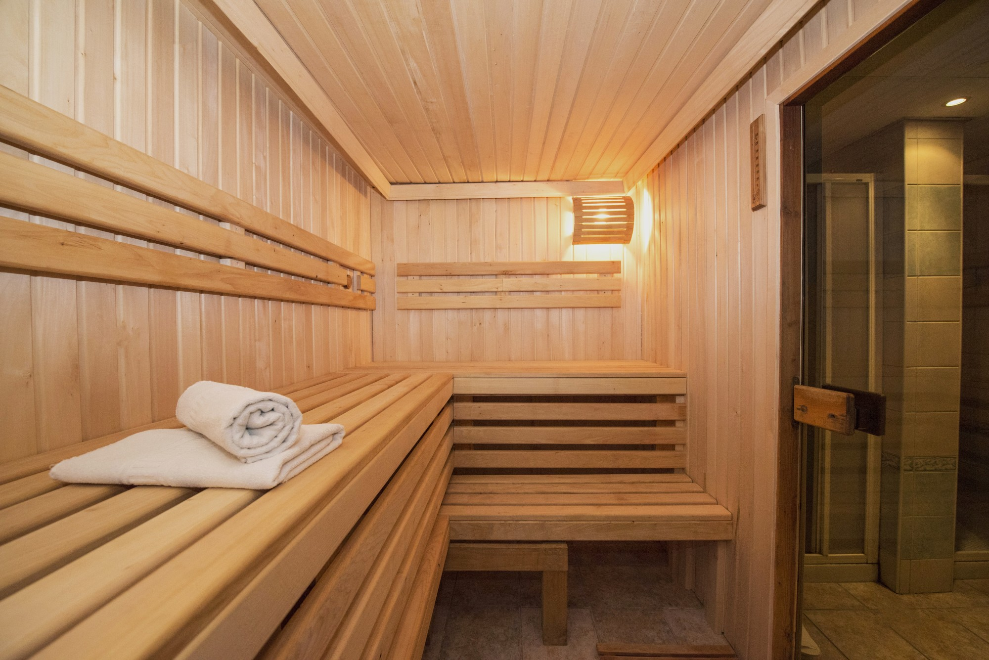 How Using a Sauna After Working out Promotes Weight Loss