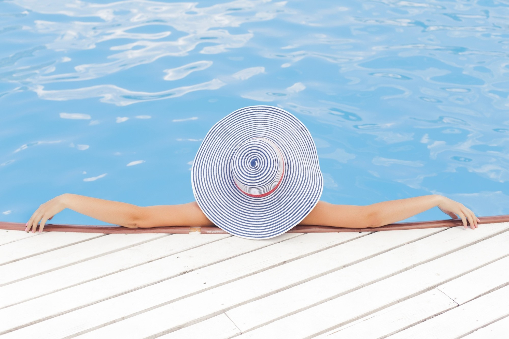 Should You Get an Inground or Above Ground Pool? 5 Things to Consider